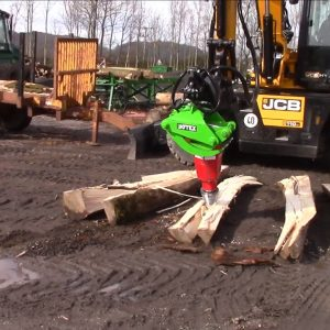 The Yard Master – Log Splitter and Rotating Timber Grab